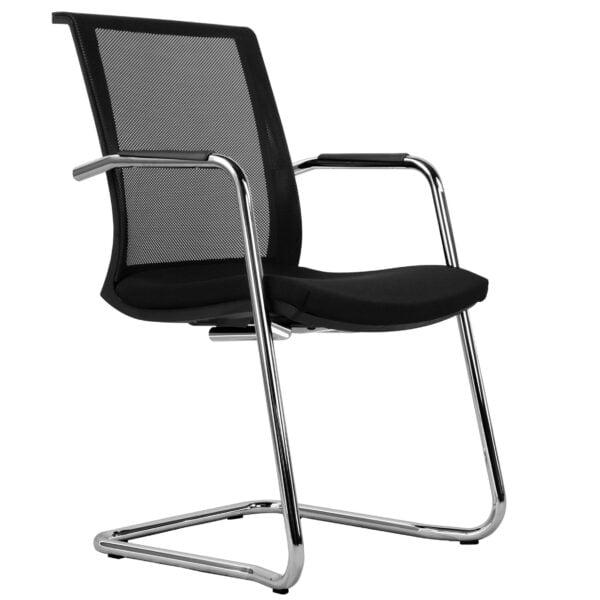 krzesło do stołu konferencyjnego na białym tle - widok z przodu