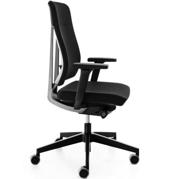 fotel biurowy piękny ujęcie z boku