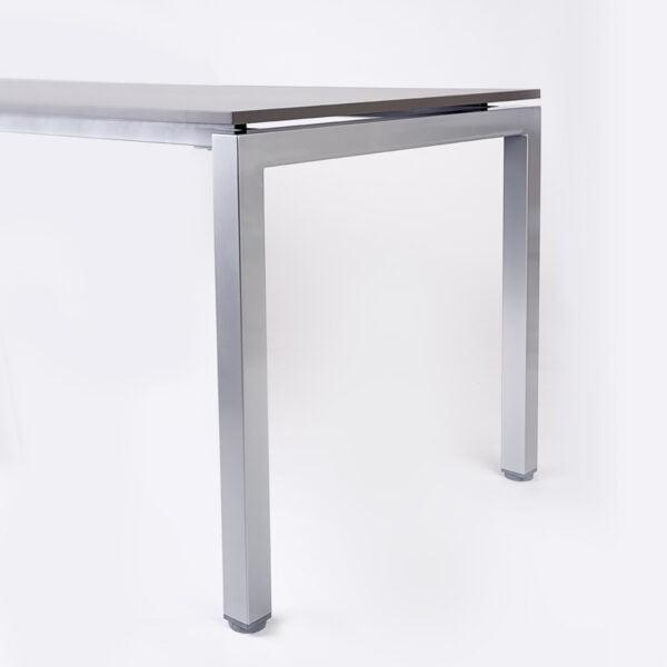 zdjęcie nogi biurka, blat grafitowy