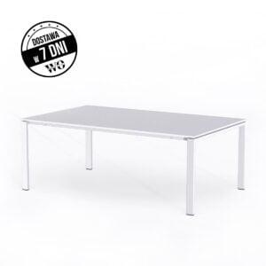 biały stół konferencyjny na białym tle