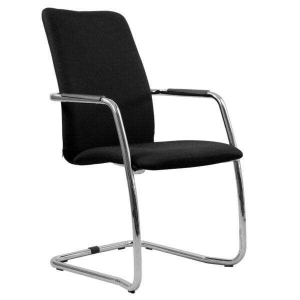 czarny fotel konferencyjny na białym tle