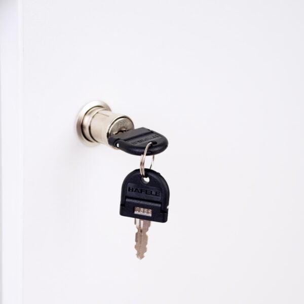 zdjęcie zamka i kluczyka
