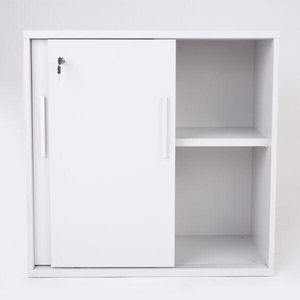 zdjęcie niedużej biurowej szafki