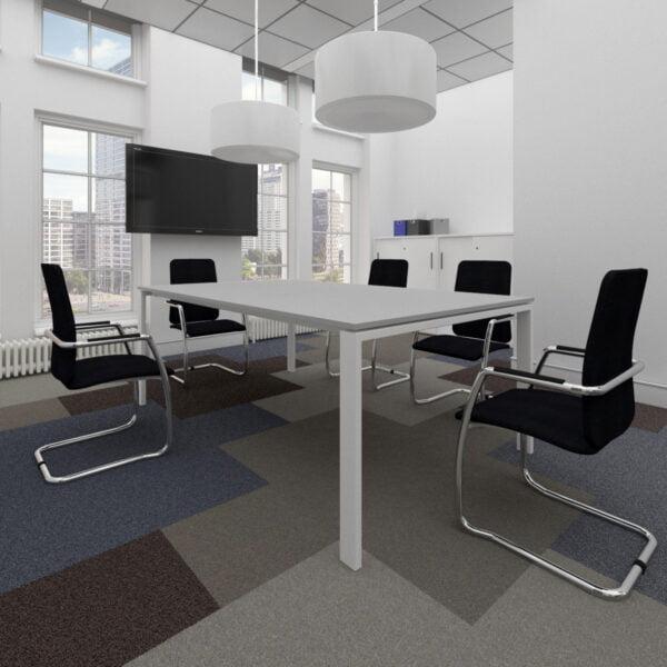 stół konferencyjny i krzesła konferencyjne