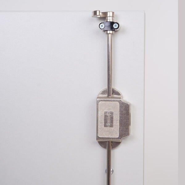 listwa zamkowa w szafie biurowej
