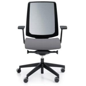 popielate krzesło do biura - widok na białym tle